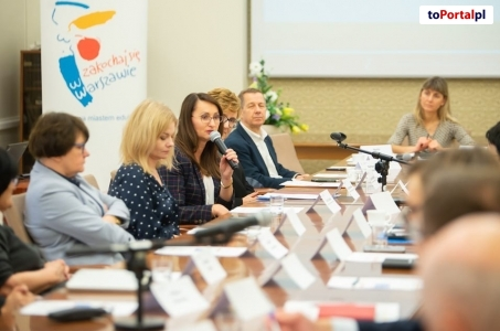 Warszawa. Pierwsze obrady Warszawskiej Rady Edukacyjnej.