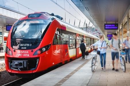 Warszawa. 15 lat przewozów Szybkiej Kolei Miejskiej.
